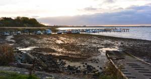 Hafen Altefähr: Die Boote sitzen auf dem Trockenen.