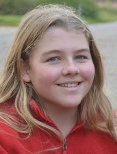 """Lisa Wilken (11) aus Rambin kann dem Verkehrs-Chaos etwas Gutes abgewinnen: """"Der Schulbus kommt später""""."""