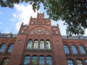 Das Hansa-Gymnasium in Stralsund schmückt sich in feinster Backsteingothik