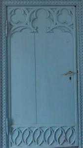 Zu den Schmuckstücken im Inneren der Kapelle gehört diese verzierte Tür im Übergang vom Andachtsraum zum bewohnten Bereich.